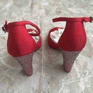 Badgley Mischka Shoes - Badgley Mischka open Toe Heels